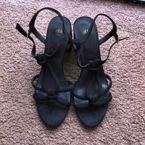 H&M Strappy Sandal - worm once